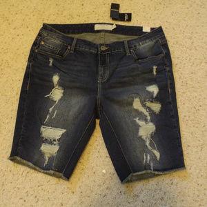Distressed Jean Bermuda shorts